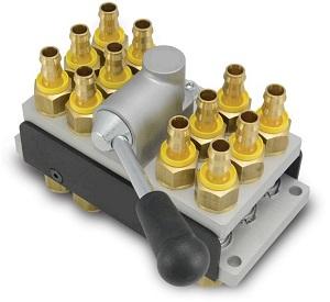 Parker. Многоконтурное быстроразъемное соединение. Используются в системах термостатирования (т.е. системах нагрева и охлаждения) литьевых пресс-форм. RTC M101. RTC M152. TST M106. TST M109. TST M112. TST M116.